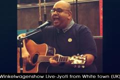 Winkelwagenshow_Live_Jyoti_from_White_Town